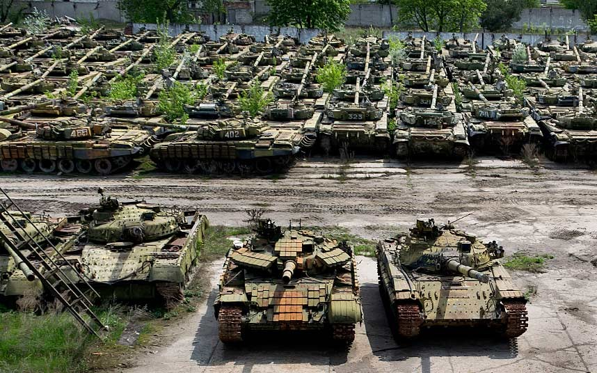tank-graveyard-6_2840058k.jpg
