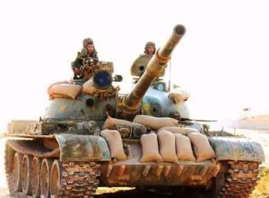 T-62 with sandbags