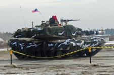 us-army-tanks-being-moved-to-russian-border